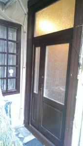 Dobogó fa bejárati ajtócsere