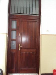 Harsánylejtő fa bejárati ajtócsere