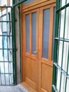 József Attila-lakótelep fa bejárati ajtócsere
