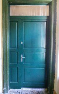 Ligettelek fa bejárati ajtócsere