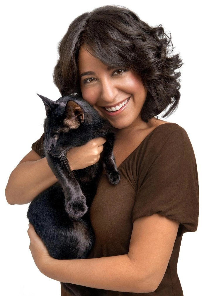 Best Selling Author Gwen Cooper tells how cat tourism & events helps cats