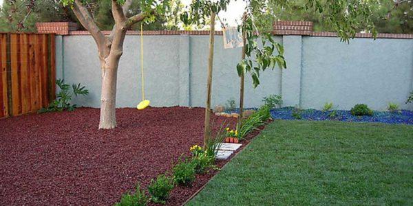 landscaping with mulch - bjorklund