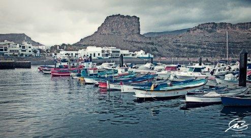 Fiskebåtar, hamn, havet