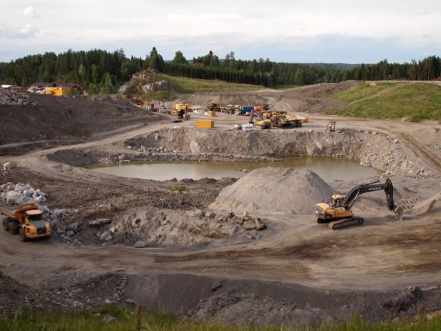 Åsland riggområde før sprengning til atkomsttunnelene startet. (foto: Sven Brun)