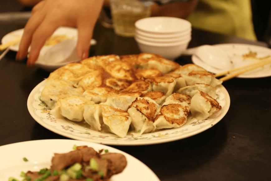 焼き餃子が食べられる大連(DAIREN)でギョウビータイム!