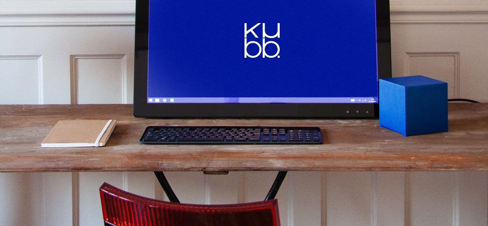 Kubb - écran ordinateur avec modèle Bleu 12 - plan rapproché