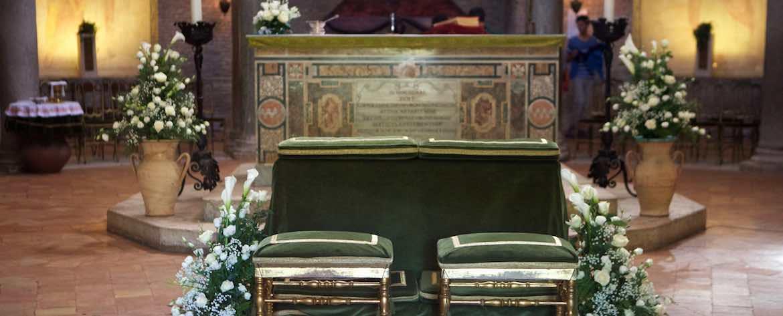 Mausoleo di Santa Costanza dettaglio panchetto sposi