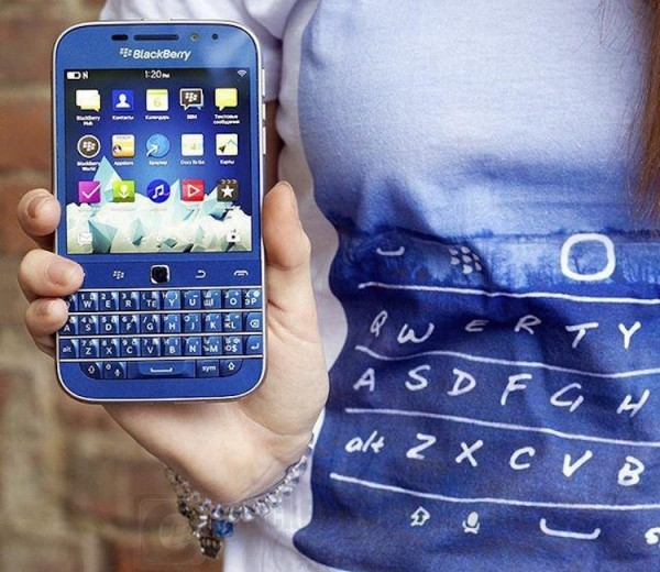 BlackBerry Classic Blue Available HK_bbc_01