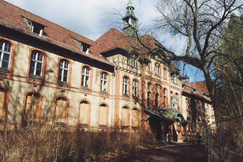 Beelitz-Heilstaetten-Filmtour-Gebaeude