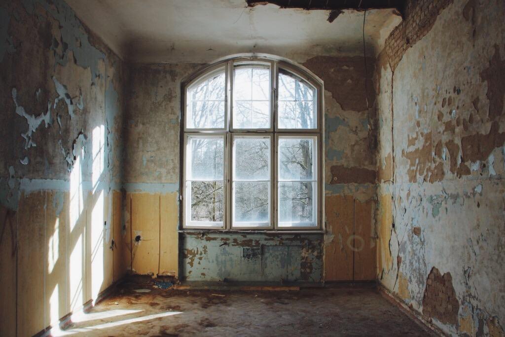Beelitz-verlaten-plaats-ziekenhuis-kamer