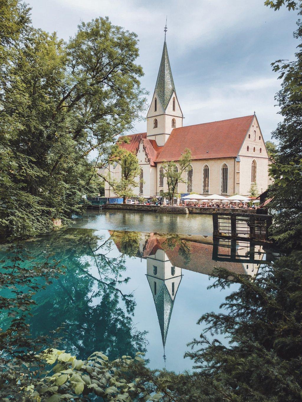 """Blaubeuren Sightseeing Monastery """"width ="""" 1024 """"height ="""" 1365 """"srcset ="""" https://www.blackdotswhitespots.com/bdws/wp-content/uploads/2019/07/Blaubeuren-Versewürdigkeiten-Kloster.jpg 1024w, https://www.blackdotswhitespots.com/bdws/wp-content/uploads/2019/07/Blaubeuren-Henswuerdigkeiten-Kloster-375x500.jpg 375w, https://www.blackdotswhitespots.com/bdws/wp-content/uploads /2019/07/Blaubeuren-Vernwürdigkeiten-Kloster-768x1024.jpg 768w, https://www.blackdotswhitespots.com/bdws/wp-content/uploads/2019/07/Blaubeuren-Vehicles-Kloster-225x300.jpg 225w, https : //www.blackdotswhitespots.com/bdws/wp-content/uploads/2019/07/Blaubeuren-Adhesives-Cloastery-330x440.jpg 330w, https://www.blackdotswhitespots.com/bdws/wp-content/uploads/ 2019/07 / Blaubeuren Sightseeing Monastery-690x920.jpg 690w, https://www.blackdotswhitespots.com/bdws/wp-content/uploads/2019/07/Blaubeuren-Vehicles-Kloster-435x580.jpg 435w """"sizes = """"(max-breedte: 1024px) 100vw, 1024px"""" /></p data-recalc-dims="""