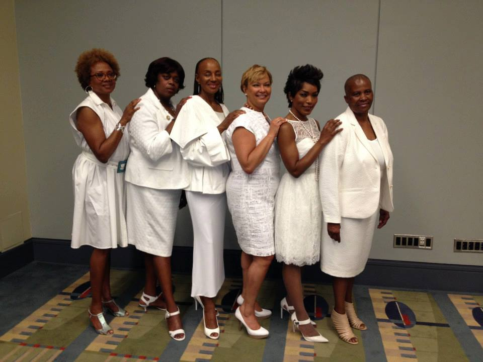 angela bassett inducted as honorary member of delta sigma