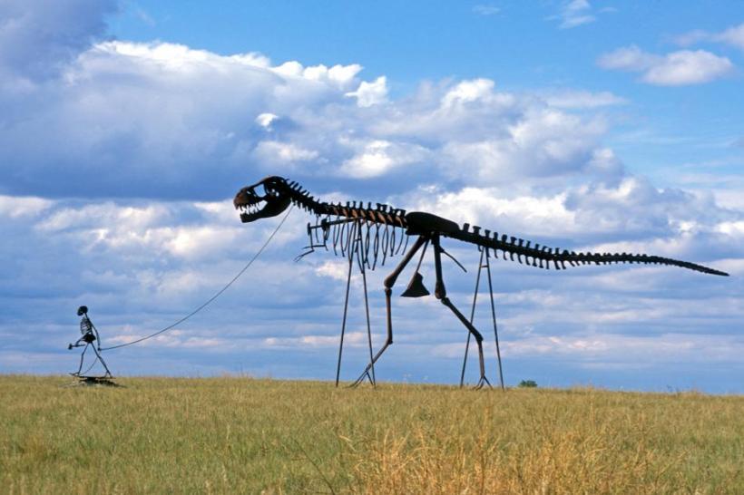 1800 Town Dinosaur