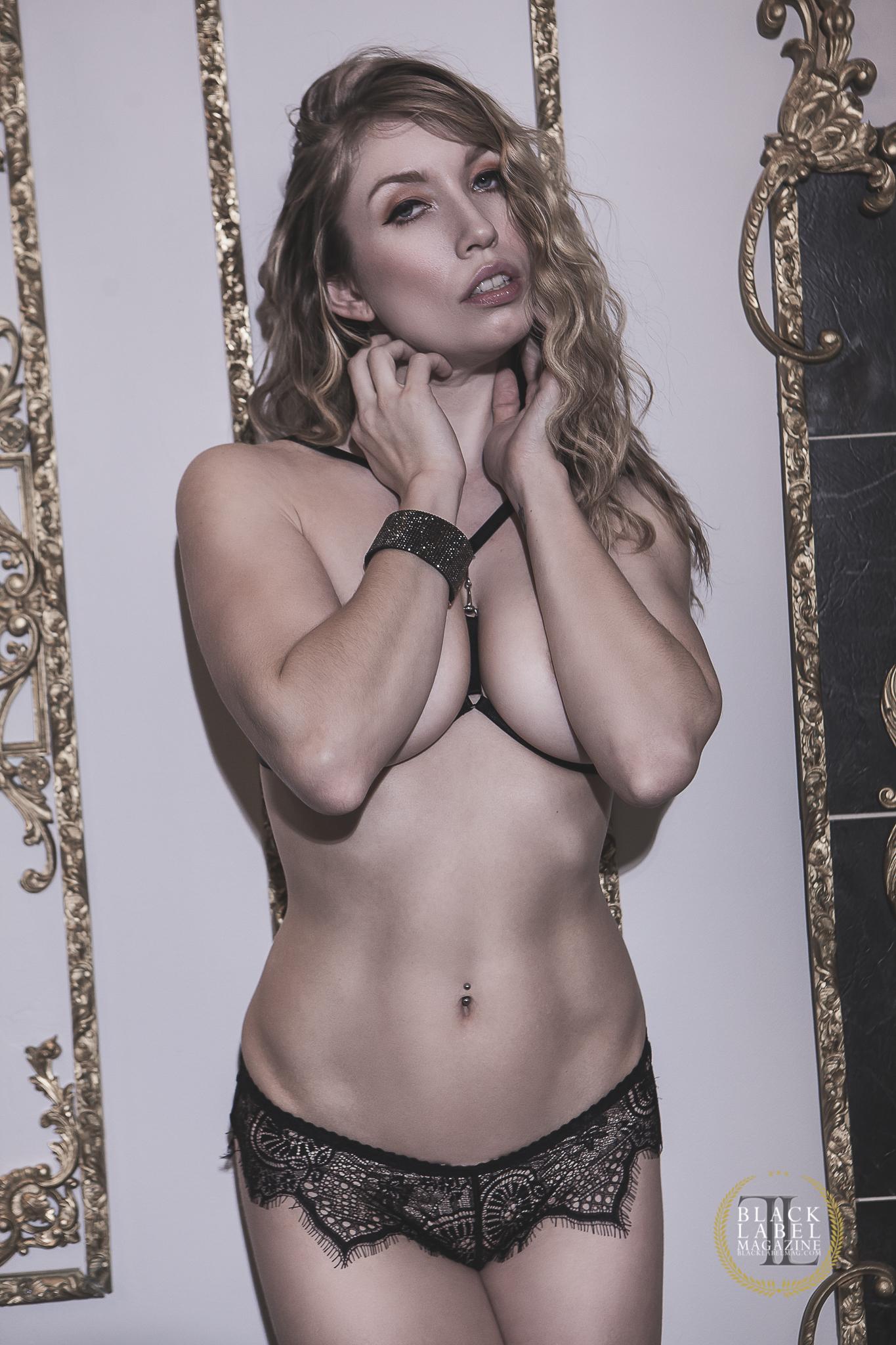 Model nude fetish