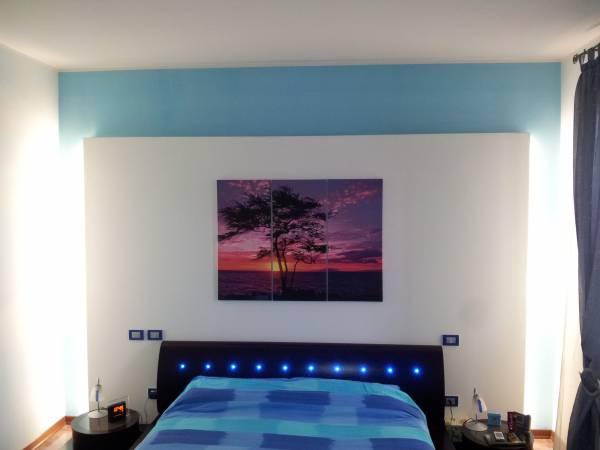 Retroilluminazione a neon parete in cartongesso