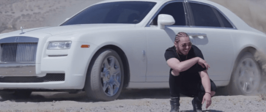 Video: Post Malone - White Iverson