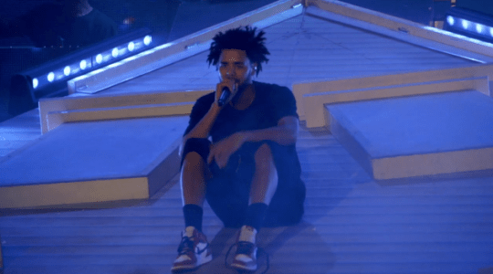 Video: J. Cole - Love Yourz (Live)