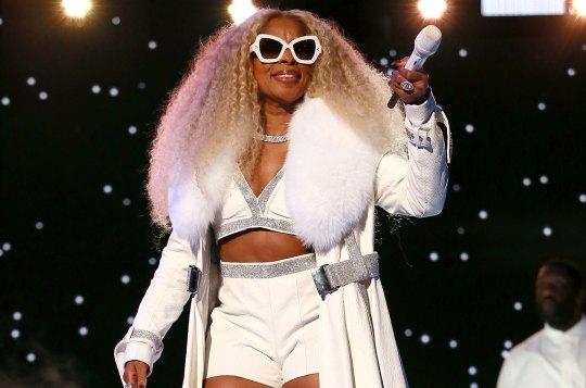 Video: Mary J  Blige Live @ BET Awards 2019 « Blackout Hip Hop
