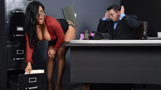 MY BOSS IS A CREEP – KIARA MIA & BRAZZERS