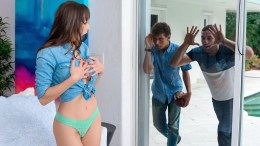 Milf Hunter – Lexi Luna – Friendly Neighborly Milf