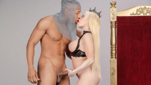 Big Wet Butts – Capture The Queen – Nikki Delano