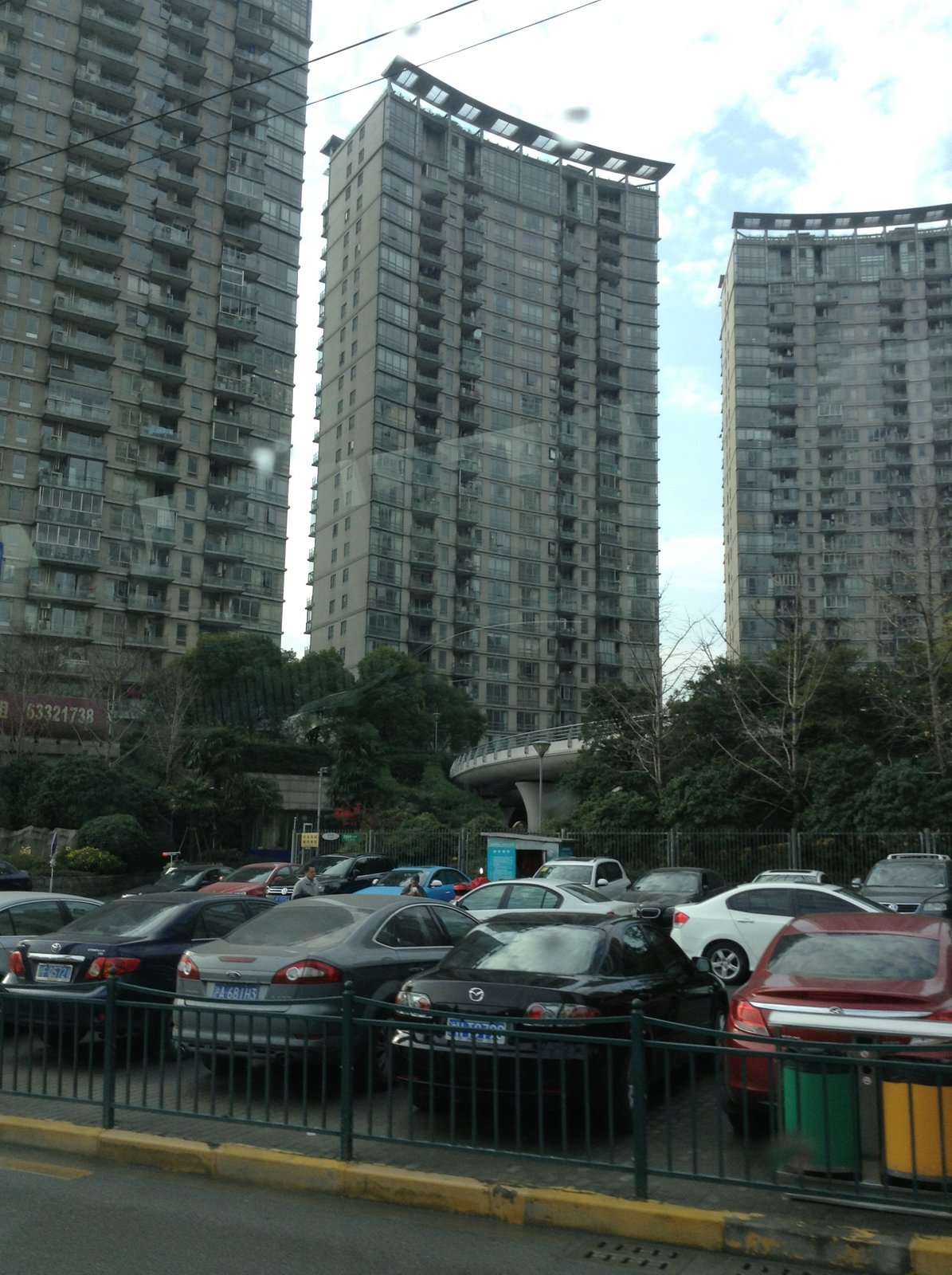 Pic-Cars-and-Apartments