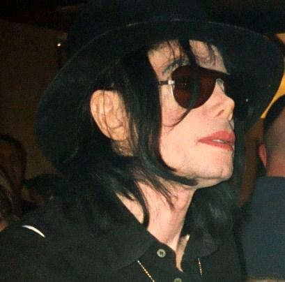 Michael_Jackson_in_Vegas_cropped-3
