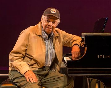 This undated image released by Patty Onagan shows Phillip Hayes Dean. Dean, a playwright, director and actor died on Monday, April 14, 2014 from a heart condition, a family spokesperson announced. He was 83. (AP Photo/Craig Schwartz Photography)
