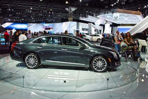 1024px-Cadillac_XTS_Full_Size_Sedan_-_Flickr_-_Moto@Club4AG