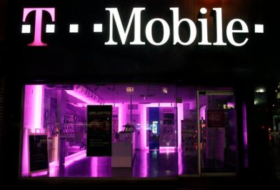 """An Oct. 19, 2012, file photo is of a T-Mobile store  in New York.  The Federal Trad Commission  Tuesday July 1, 2014, is alleging that T-Mobile USA, Inc., made """"hundreds of millions"""" of dollars off its customers through bogus charges. (AP Photo/Mark Lennihan, file)"""