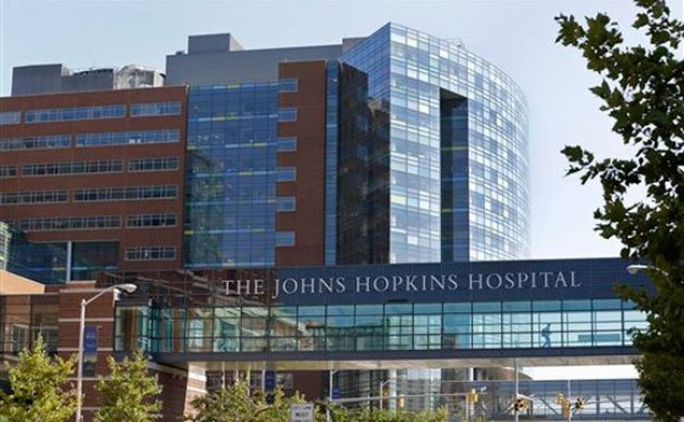 Johns Hopkins Hospital agreed to a historic settlement July 21, 2014. The hospital will pay more than 8,000 former patients $190 million for a gynecologist scandal uncovered in 2013. (AP Photo/Patrick Semansky, File)