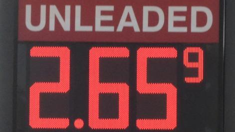 The price of regular gasoline dropped to $2.659 per gallon at a Hi Tech Fuels in Chattanooga, Tenn., last week. (John Rawlston/Associated Press)