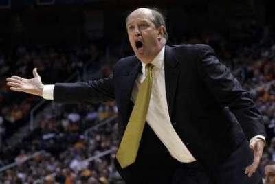 Vanderbilt head basketball coach Kevin Stallings (AP/Wade Payne)