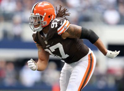 The New England Patriots signed former Cleveland Browns defensive end Jabaal Sheard Wednesday (AP Photo)