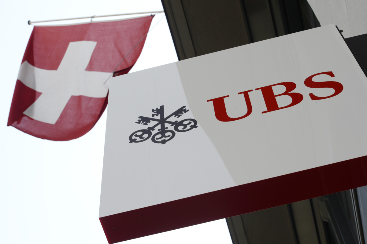 AP SWITZERLAND UBS EARNS I F FILE CHE