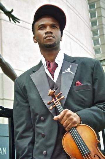 "Lee England Jr., ""The Soul Violinist"" (Lee England Jr./CC BY-SA 4.0)"