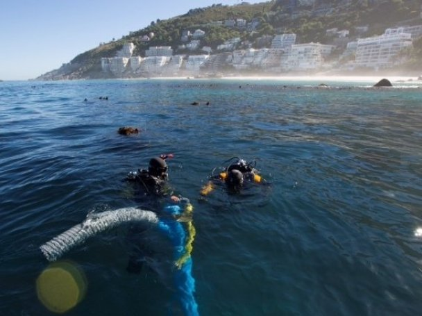 Underwater archaeology researchers explore the site of the São José slave ship wreck near the Cape of Good Hope in South Africa. (Susanna Pershern/Courtesy of U.S. National Parks Service)