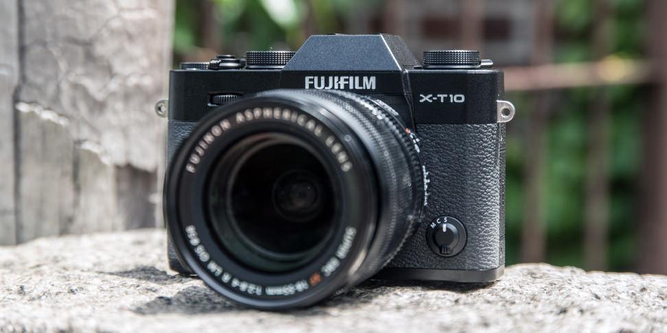 Fujifilm-X-T10-Hero