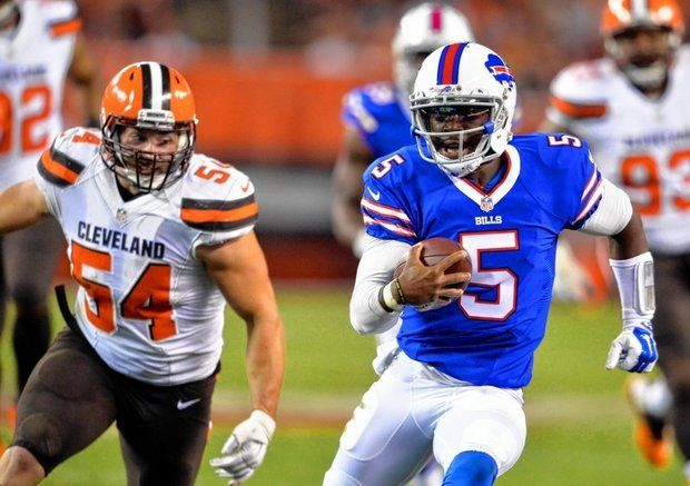 Buffalo Bills quarterback Tyrod Taylor (5) runs for a first down in the second quarter against the Cleveland Browns on Thursday, August 20, 2015 in Cleveland. (David Richard/Associated Press)