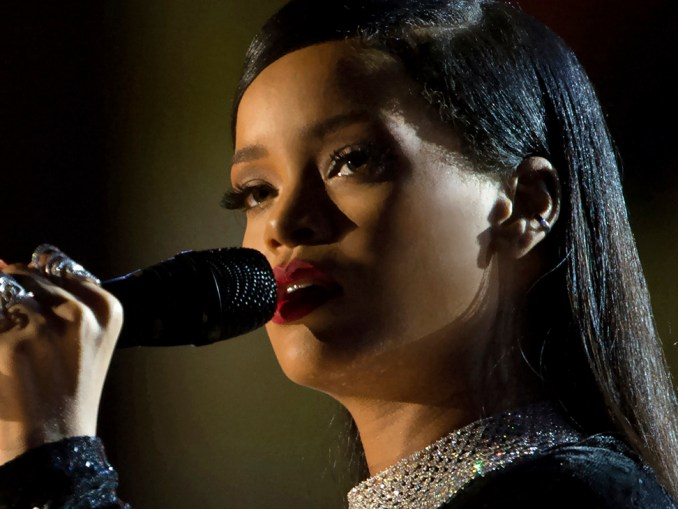 Rihanna sings during The Concert for Valor in Washington, D.C. Nov. 11, 2014. (DoD News photo by EJ Hersom / Wikimedia Commons)