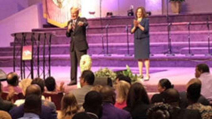 Sen. Nelson and Harris tour churches in Miami.