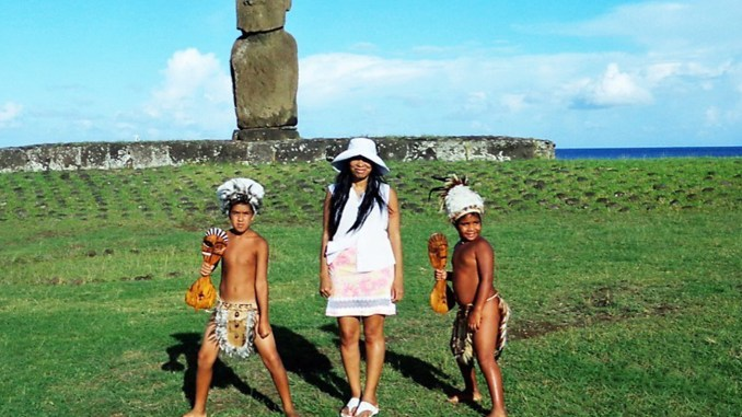 Woni Spotts (Center) at Easter Island
