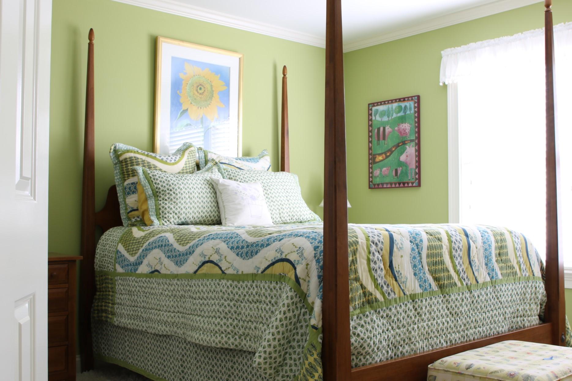 Ethan Allen Barrett Poster Queen Size Bed With Mattress