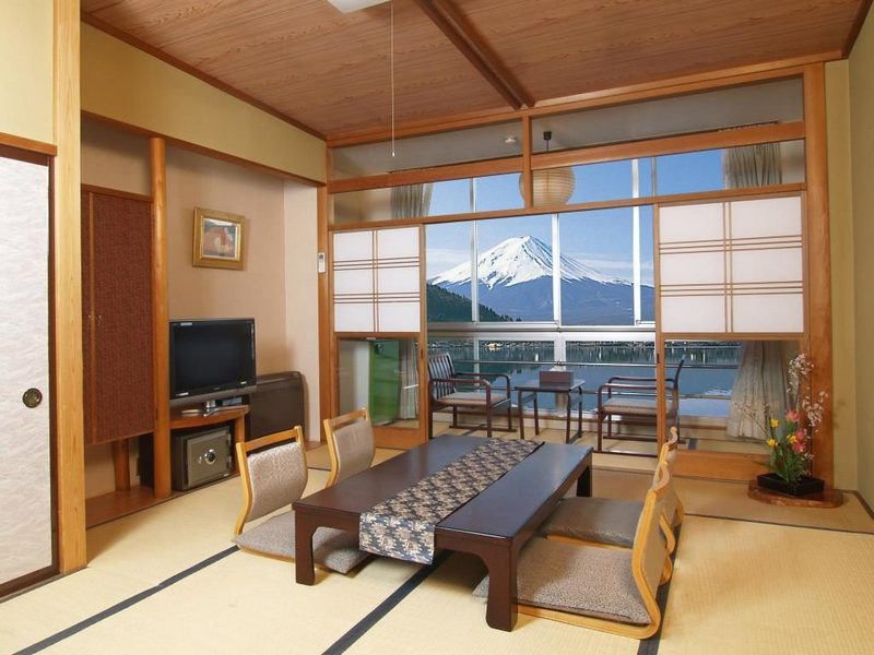 Hotel New Century, Jepang