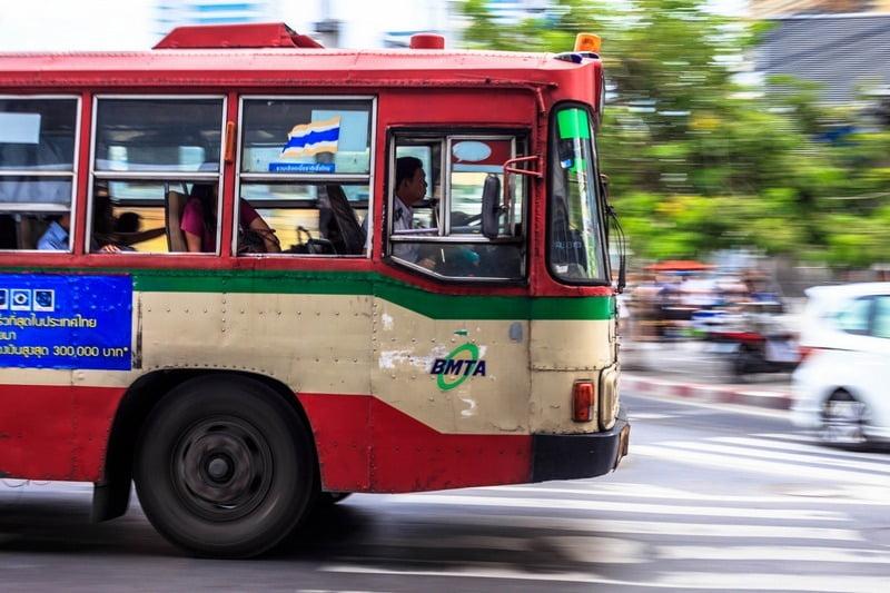bus umum di bangkok, thailand
