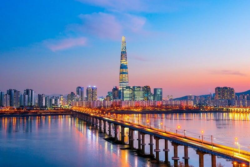 panorama kota seoul di senja hari, korea selatan