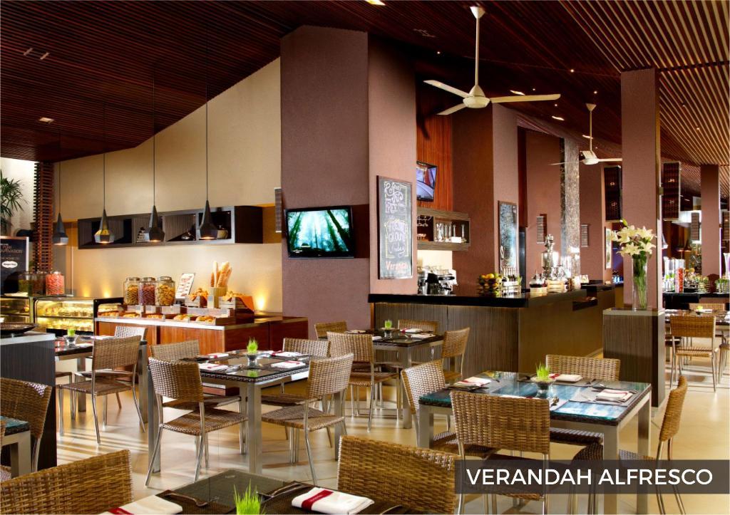 verandah alfresco eastparc hotel yogyakarta
