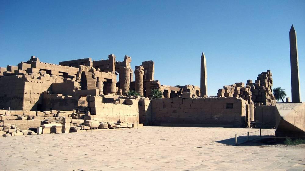 Obelisk di Karnak, Mesir