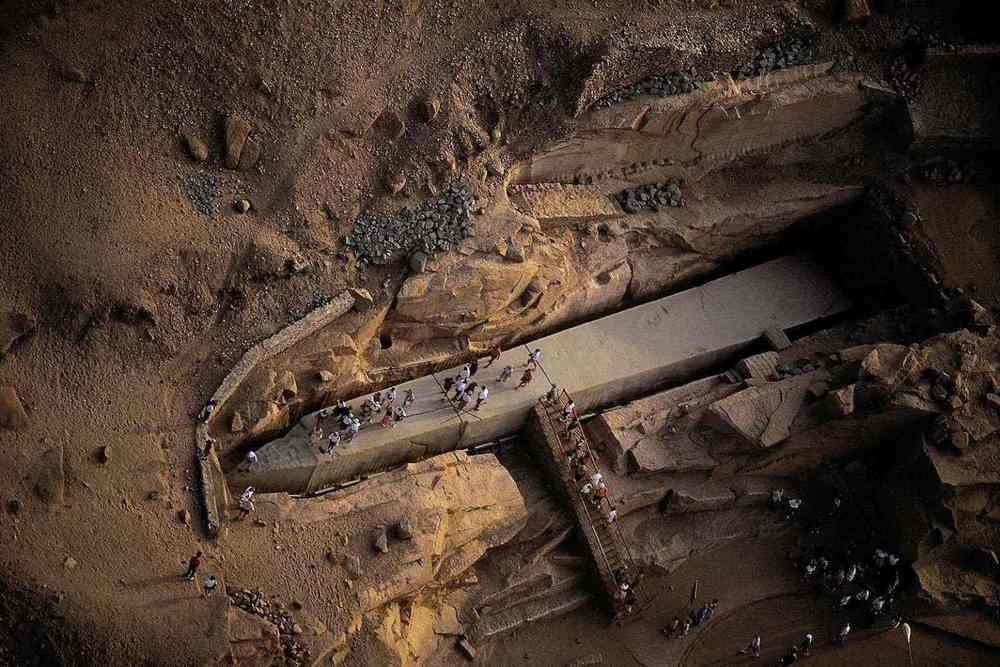 Unfinished Obelisk of Aswan (Obelisk Aswan yang Belum Selesai Dibuat)