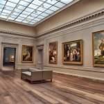 galeri museum penuh lukisan